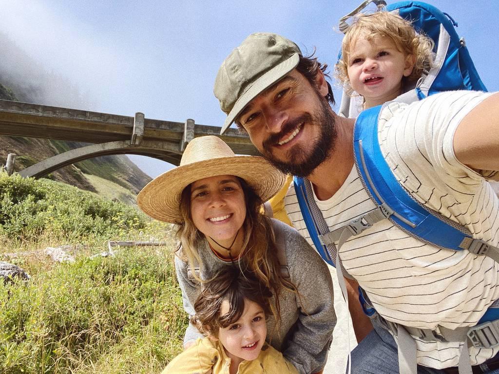 Dana Haim, Jaron Gilinsky, and their 2 children