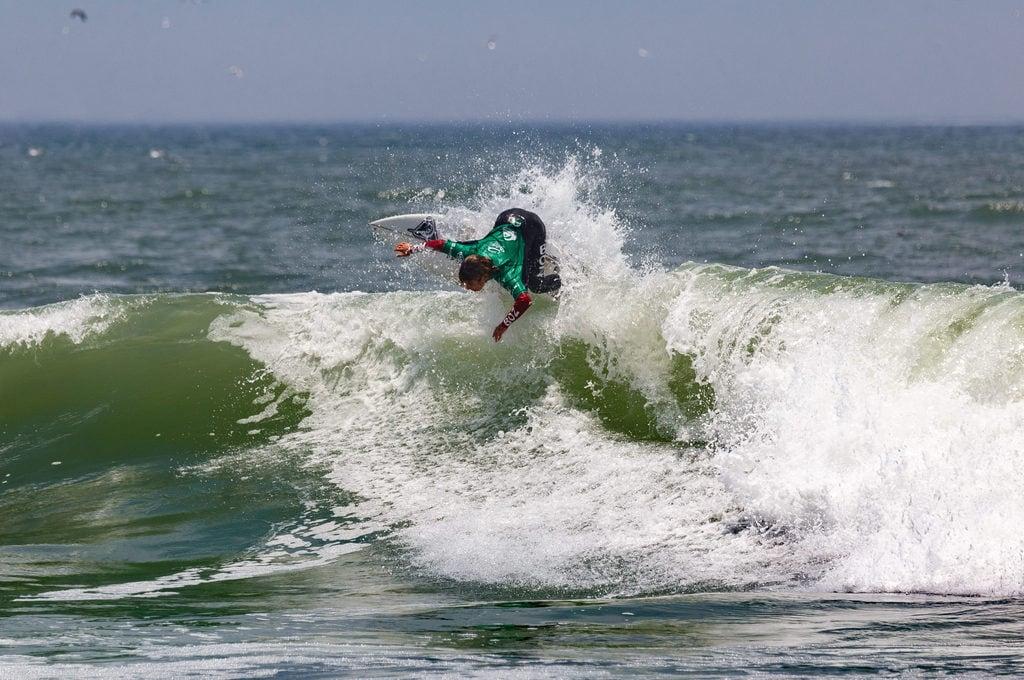Surf at Punta Roquitas