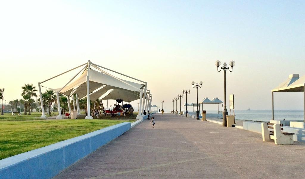 Anjafa Beach, Salwa - For a Family-Friendly Experience