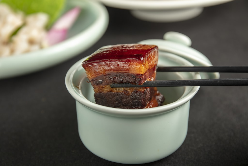A Delicious Recipe for Hangzhou-Style Braised Pork Belly
